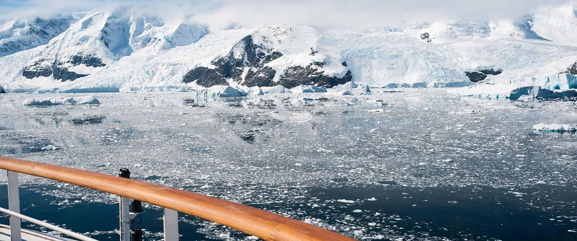 Spitsbergen Explorer