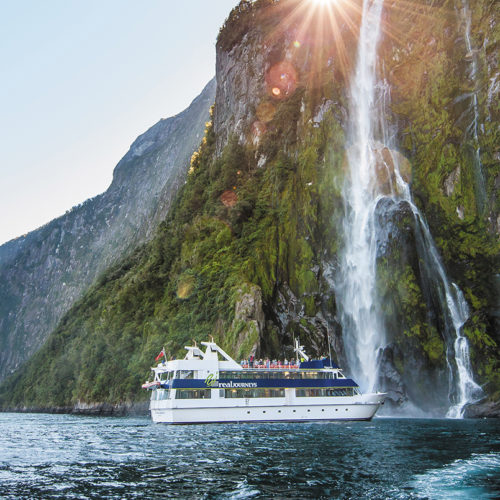 19 Day New Zealand Rail, Cruise & Coach