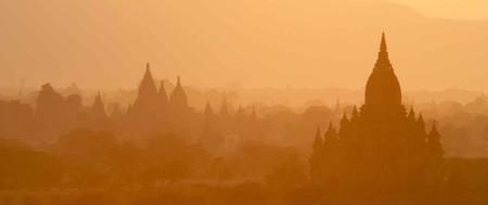 Myanmar---Temples,-Bagan--Hero-iStock_000000705419Large