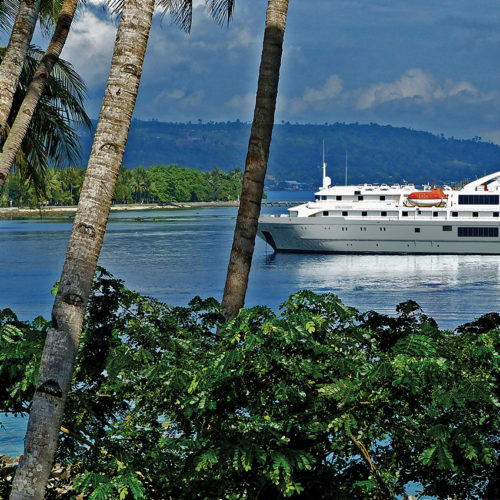 Papua New Guinea aboard the Coral Discoverer